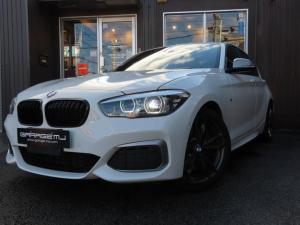 BMW 1シリーズ M140i エディションシャドー 1オーナー 禁煙車 黒革 1オーナー 禁煙車 黒革 シートヒーター ブルーキャリパー 純正ナビBカメラ ETC ドラレコ レーダー ドアミラーウィンカー パドルシフト ディーラー車 スマートキー プッシュスタートB
