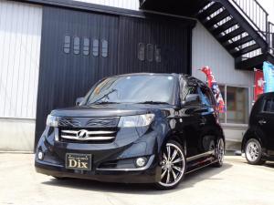 トヨタ bB Z Qバージョン新品黒革調シートカバーフリップダウン17AW