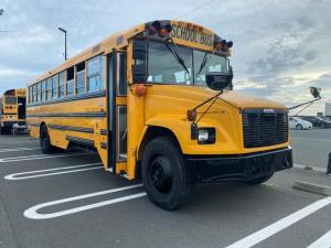 アメリカその他 フレイトライナー スクールバス SCHOOL BUS・キャタピラー社ディーゼルエンジン・オートマチックトランスミッション・