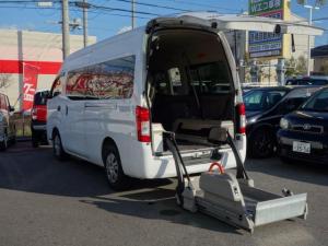 日産 NV350キャラバンバン  福祉車両 車いす固定装置2基 スライドリフト車 バックモニター 乗車定員10名 オートステップ 片側スライドドア