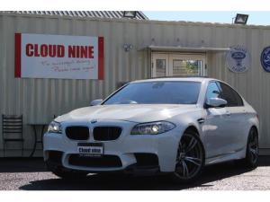 BMW M5 M5 M5 SR 黒革 純ナビ地デジBカメラ ETC ブラインドスポットモニタリングS レーンデパーチャーW ナイトビジョン ヘッドアップディスプレイ 前後シートヒータ 買取直販車 右ハンドル ディーラー車