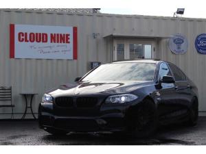 BMW 5シリーズ 528i 当社オリジナルM5製作 新品M5フロントバンパー 新品ブラックグリル KW車高調