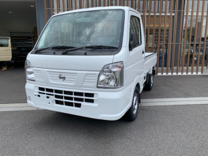 日産 NT100クリッパートラック DX農繁仕様 届出済未使用車・4WD・MT・エアコン・パワステ