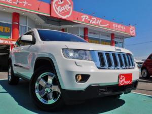 クライスラー・ジープ ジープ・グランドチェロキー ラレード 4WD 禁煙車 Bluetooth対応ナビ フルセグTV フロント 左サイドカメラ カメラモニタ クルーズコントロール