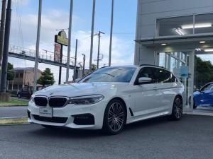 BMW 5シリーズ 530iツーリング Mスポーツ 19インチ