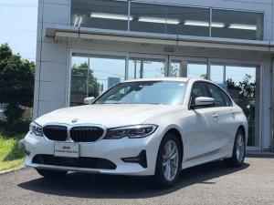BMW 3シリーズ 320i プラスパッケージ・コンフォートパッケージ・17インチ