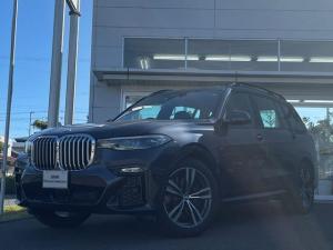 BMW X7 xDrive 35d Mスポーツ 当社試乗車UP・5ゾーンエアコン・パノラマサンルーフ・純正21インチアルミ・黒革シート・シートヒーター・シートエアコン・電動シート・クリスタルノブ・レーザーライト・全周囲カメラ・ミラーETC