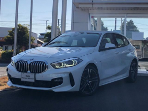 BMW 1シリーズ 118i Mスポーツ ハイラインパッケージ 当社試乗車UP・ナビゲーションパッケージ・黒革シート・電動シート・シートヒーター・LEDヘッドライト・LEDフォグランプ・純正18インチアルミ・バックカメラ・ミラーETC