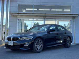 BMW 3シリーズ 320i Mスポーツ 試乗車UP・コンフォートパッケージ・電動トランク・純正18インチアルミ・シートヒーター・パワーシート・LEDヘッドランプ・全周囲カメラ