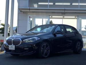 BMW 1シリーズ 118i Mスポーツ 試乗車UP・ナビパッケージ・コンフォートパッケージ・LEDヘッドライト・LEDフォグランプ・ハーフレザーシート・電動シート・バックカメラ・電動リヤゲート・アクティブクルーズコントロール・ミラーETC