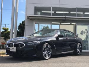 BMW 8シリーズ 840d xDrive グランクーペ Mスポーツ 当社試乗車UP・黒革シート・電動シート・レーザーライト・シートヒーター・シートエアコン・TV・全方位カメラ・クリスタルシフトノブ・電動トランク・純正19インチアルミ・ヘッドアップディスプミラーETC