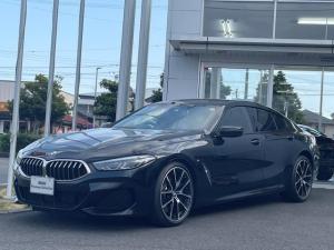 BMW 8シリーズ 840i グランクーペ Mスポーツ 当社下取ワンオーナー車・純正オプション20インチアルミ・ツートーンレザー・シートエアコン・シートヒーター・ヘッドアップディスプレイ・アクティブクルーズコントロール・レーザーライト・TV・全方位カメラ