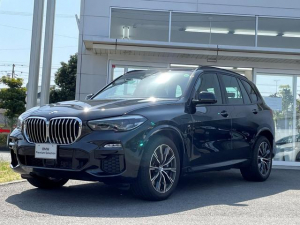 BMW X5 xDrive 45e Mスポーツ 当社試乗車UP・LEDヘッドライト・電動シート・シートヒーター・黒革シート・パノラマサンルーフ・TV・純正20インチアルミ・ヘッドアップディスプレイ・全周囲カメラ・ミラーETC・プラグインモデル