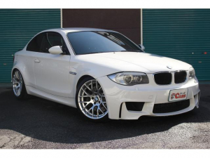 BMW M1 ベースグレード 6速MT 社外マフラー 純正OP19インチAW 車高調 黒革シート リアカーボンスポイラー