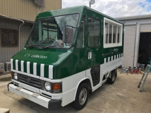 トヨタ クイックデリバリー ラッピング キッチンカー 移動販売車 ショールーム