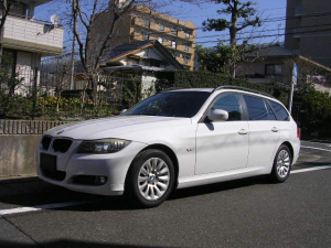 BMW 3シリーズ 320iツーリング HDDナビ バックカメラ  禁煙車 HIDヘッドライト ETC