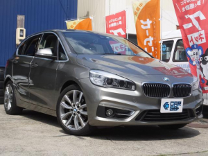 BMW 2シリーズ 218iアクティブツアラー ターボ・衝突軽減B・パワーバックドア・アイドリングS・Bluetooth対応ナビ・バックカメラ・レザーシート