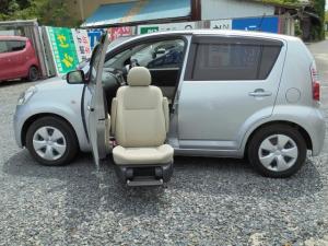 トヨタ パッソ G 福祉車両助手席リフトアップシート ナビ