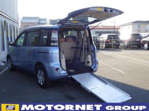 トヨタ シエンタ  ウェルキャブ 車いす仕様車 スロープ 電動固定装置付き