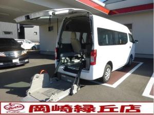日産 NV350キャラバンバン  チェアキャブリフタータイプM仕様 車椅子固定2基 オートステップ