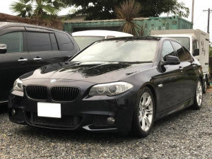 BMW 5シリーズ 528i Mスポーツ ディーラー車 サンルーフ 黒革シート 純正ナビ 地デジTV バックモニター スマートキー