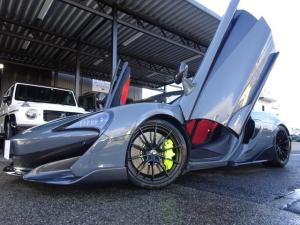 マクラーレン 600LTスパイダー 600LTスパイダー 正規ディーラー車 ワンオーナー車 アップグレード1 セキュリティP スペシャルP 純正ナビ バックカメラ 2.0ETC コンポーネントカーボンファイバーエクステリア F&Rパーキングセンサー スペア有