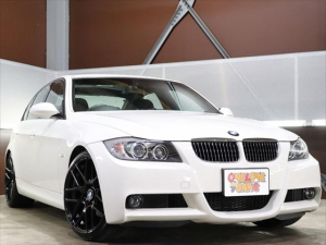 BMW 3シリーズ 323i Mスポーツパッケージ 新品19インチホイール/新品タイヤ4本 F225/35R19・R255/30R19/社外HDDナビAVIC-HRV002/テレビワンセグ 走行中視聴可/DVD再生 走行中視聴可/CD再生/