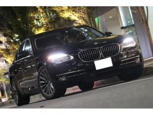 BMW 7シリーズ 740i /後期型/LEDヘッドライト/コンフォートPKG/19インチアロイホイール/スマートキー/スペアーキー/車検長/ヘッドアップディスプレイ/地デジ/テレビキャンセラー/ブラウンレザーインテリア