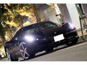 フェラーリ 458イタリア ベースグレード ディーラー車/コーンズ管理/ネロ/走行9000キロ/カーボンLEDステアリング/可変バルブリモコン/七宝焼スクーデリアエンブレム/社外HDDナビ/バックカメラ/ロッソレブカウンター/タン(ベージュ)