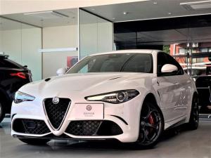 アルファロメオ ジュリア クアドリフォリオ マキシマムケア・新車保証継承 パールホワイト レッドブレーキキャリパー