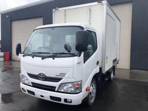 トヨタ ダイナトラック 2tショート -7℃中温2層式冷蔵冷凍車 4WD 5MT