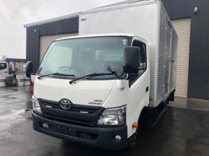 トヨタ ダイナトラック 2tワイドロング箱車 4WD 5MT