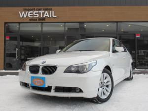 BMW 5シリーズ 530i ハイライン 電動ガラスサンルーフ HDDナビ 6連装CD サンシェード 本革シート パワーシート シートヒーター リアサンシェード 6AT MTモード Dエアコン PDC iDriveコントローラー
