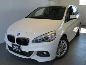 BMW 2シリーズ 225xeアイパフォーマンスAツアラーMスポーツ 認定中古車 1年保証 ワンオーナー プラグインハイブリッド Mスポーツ アドバンスドアクティブセーフティパッケージ ヘッドアップディスプレイ アクティブクルーズコントロール 夏タイヤアルミセット有