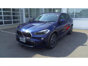 BMW X2 xDrive 20i MスポーツX 4WD アイドリングストップ 電動リアゲート スマートキー 衝突被害軽減システム レーンアシスト クリアランスソナー オートライト サンルーフ シートヒーター Bluetooth接続