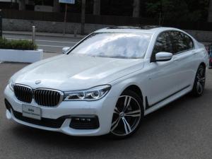BMW 7シリーズ 740d xDrive Mスポーツ 冬タイヤ付 サンルーフ ハーマンカードンサウンドシステム ソフトクローズドア オートマティックトランクリッドオペレーション マッサージ機能付フロントシート アンビエントライト ジェスチャーコントロール