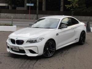 BMW M2 ベースグレード ブレーキ機能付クルーズコントロール パークディスタンスコントロールリア フロントシートヒーティング 電動フロントシートメモリー機能付 リヤカメラ予想進路表示機能付 カーボンファイバーインテリアトリム