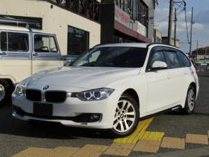 BMW 3シリーズ 320i xDriveツーリング 4WD 新品19AW&タイヤ スタッドレスタイヤ16AWほぼ新品未使用品 純正HDDナビ・バックカメラ・ETC パワーバックドア スマートアドバンスドキー プッシュスタート アイドリングストップ
