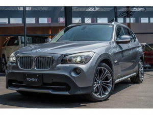 BMW X1 xDrive 25i ハイラインパッケージ ダウンヒルアシスト/Pセンサー/サンルーフ/純正18インチアルミ/純正ナビ/USB接続/シートヒーター/HID/ETC