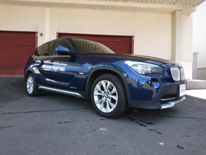 BMW X1 xDrive 28i レザーシート パノラマルーフ