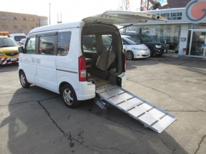 スズキ エブリイワゴン ウィズ 車いす移動車 リヤシート付 電動固定式 4WD CD