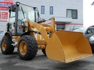 日本その他 日本 CAT 902C2 除雪仕様 スノータイヤ4WD