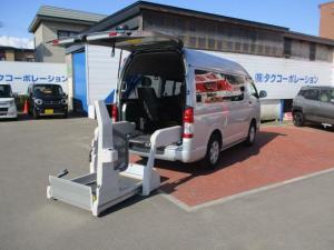 トヨタ レジアスエースバン  ウェルキャブCタイプ 車いす仕様スイングアームリフト 車いす固定装置 車いす収納装置