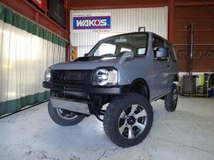 スズキ ジムニー XG 4WD 5速マニュアル 全塗装 リフトアップ 社外バンパー 社外LEDテール 社外グリル 社外マフラー ジオランダーM/Tタイヤ スキッドプレート ルーフブラック