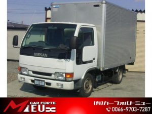 日産 アトラストラック パネル車 4WD