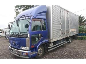 UDトラックス コンドル  ドライバンロング 内寸7.6m×2.4m×2.4mボディ