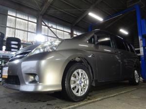 トヨタ アイシス プラタナ 4WD パワースライドドア SDナビ フルセグ フリップダウンモニター バックカメラ 寒冷地仕様 リアヒーター ドアバイザー HID