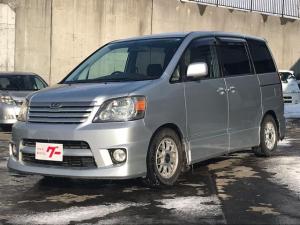 トヨタ ノア S 4WD キーレス ローダウン ウォークスルー CD