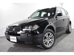 BMW X3 2.5i フロントフォグ リアフォグ リアスポイラー 純正17インチアルミ ルーフレール 純正CD 革巻きステアリング ベロアフロアマット キーレスキー イモビライザー オプション色ブラックサファイア