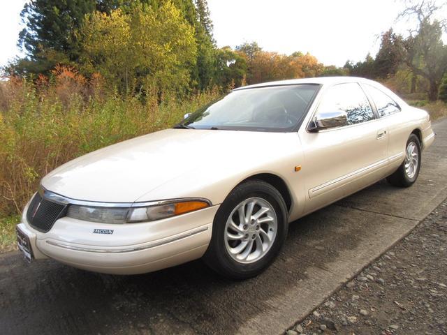 リンカーン マークVIII 入庫です。内外装美車! 希少ブラックインテリア・オリジナル・ディーラー車・エアサス→バネサス変更